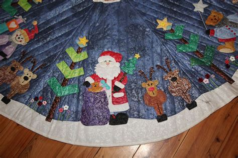 applique christmas tree skirt