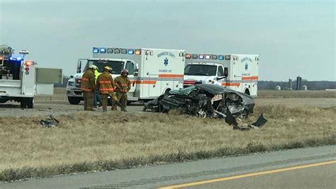car crash in illinois car crash shuts interstate 64 near okawville il in southern illinois belleville news