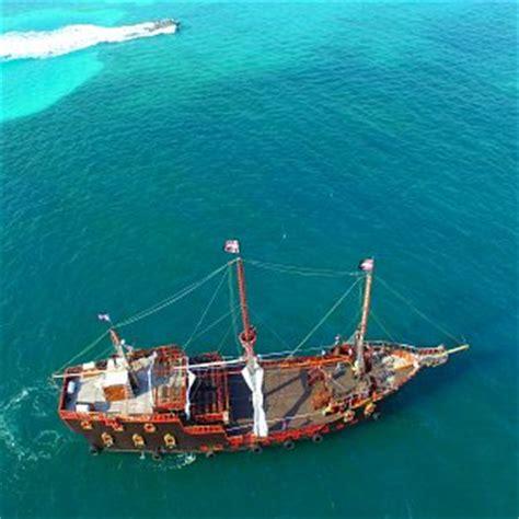 barco pirata zona hotelera cancun barco pirata jolly roger canc 250 n