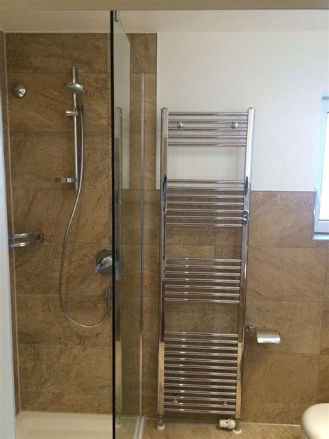 badezimmer fliesen rutschfest machen bad sanierung great vorher veraltete dusche mit gefliest