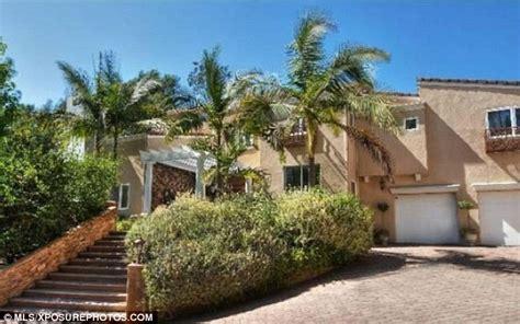 White Chandelier Uk Leona Lewis Finally Sells Her Hollywood Hills Mansion For