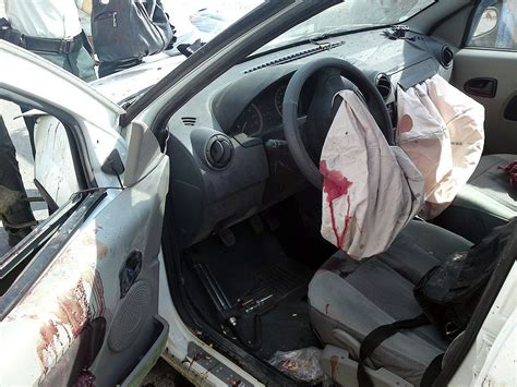 airbag deployment 2007 ford e series navigation system file airbag of dacia logan after accident jpg wikimedia commons