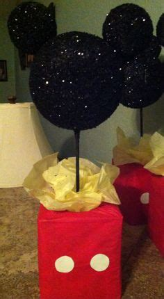 how to make styrofoam centerpieces 1000 ideas about mickey mouse centerpiece on