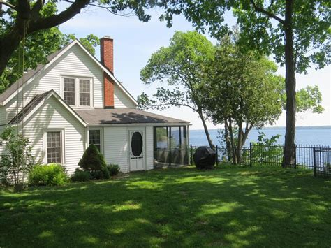 1000 Islands Rental Cottages by Idyllic 1000 Islands Waterfront Brockville Cottage