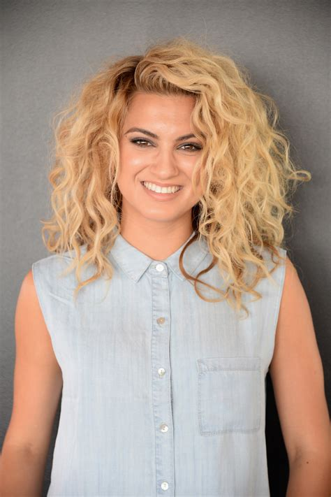 celebrity with blonde curly hair who s your celebrity curly hair twin naturally curly