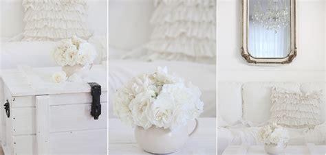 wege um ein kleines schlafzimmer größer aussehen white and shabby the of summer