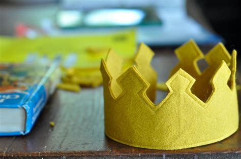 pattern for felt birthday crown how to make a royal felt crown