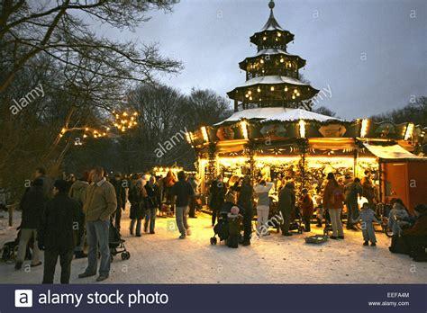 englischer garten weihnachtsmarkt deutschland muenchen m 252 nchen aussen beleuchtet bayern