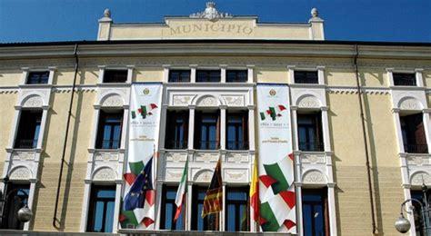 Banca Popolare Di Vicenza Schio by Schio Municipio Vicenza Report Notizie Cronaca