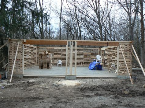 how to build a shed out of wooden pallets
