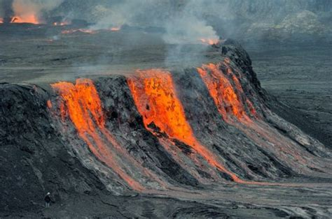 world s largest lava l world s largest lava lake mount nyiragongo congo
