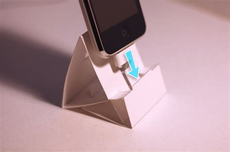 How To Make A Paper Phone Stand - iphone paper dock dessine moi un objet
