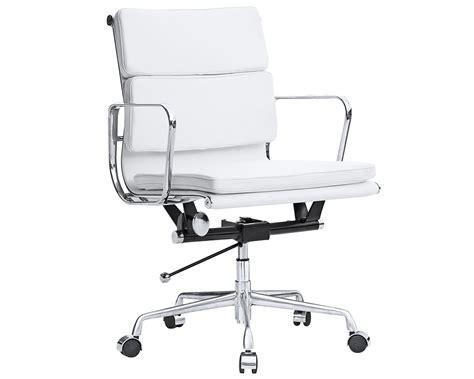 Eames Soft Pad Management Chair