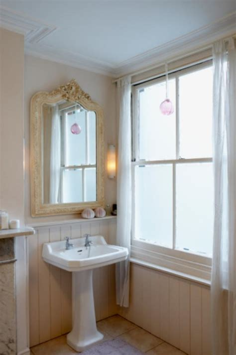 25 best ideas about half bathroom decor on pinterest 25 best ideas about small half bathrooms on pinterest