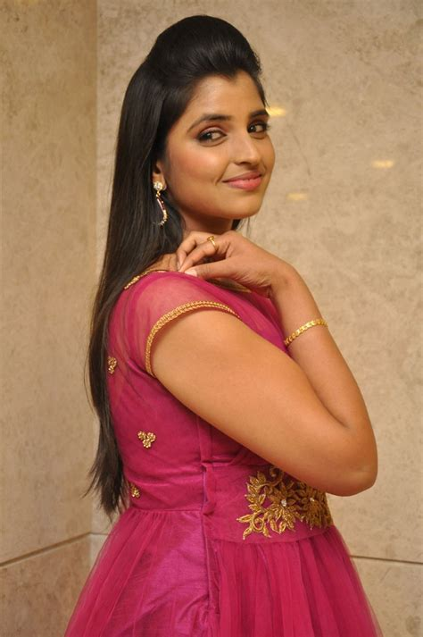 Anchor Shyamala Photos   Saree Images   Lovely Telugu
