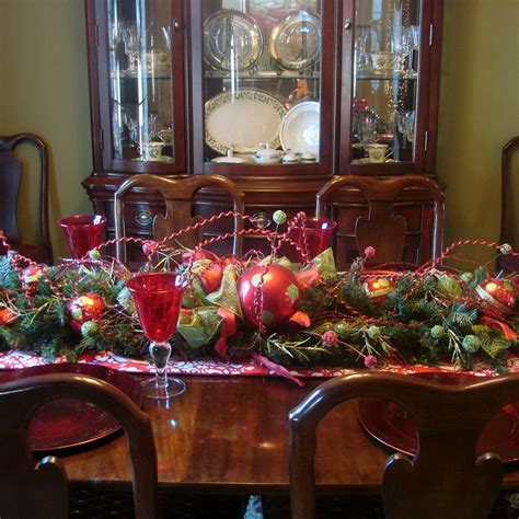 christmas dining room table centerpieces 40 table decors ideas to inspire your followers easyday