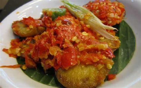 Sambal Jengkol Pangestu Khas Cirebon amboi lamaknyo sambal jengkol plus sayur ubi tumbuk