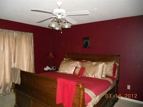 maroon bedroom ideas 31 best images about bed 3 on pinterest paint colors