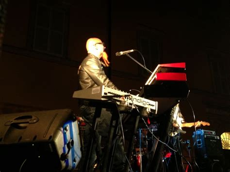 tastierista vasco alberto rocchetti al maracuja in festival piazza
