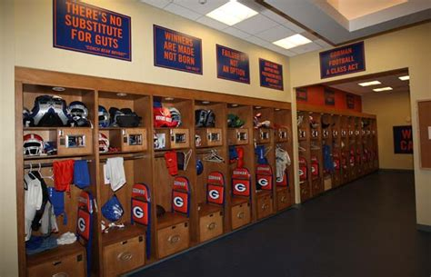 bishop gorman weight room 4d2a06f2 41ee e111 a6cb 002655e6c126 original jpg images frompo