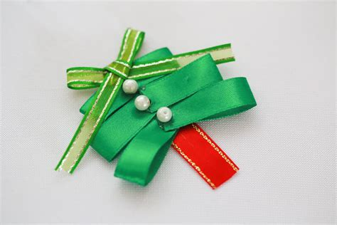 how to make a christmas tree hair bow clip 12 steps