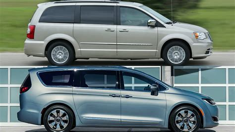 2017 Chrysler Town And Country Chrysler 2017 Chrysler Town And Country Touring Photo