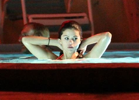 Hudgens Bathtub by Katyladynews Selena Gomez Hudgens And