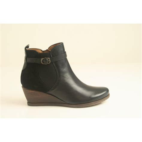 hispanitas hispanitas black leather zip up wedge ankle
