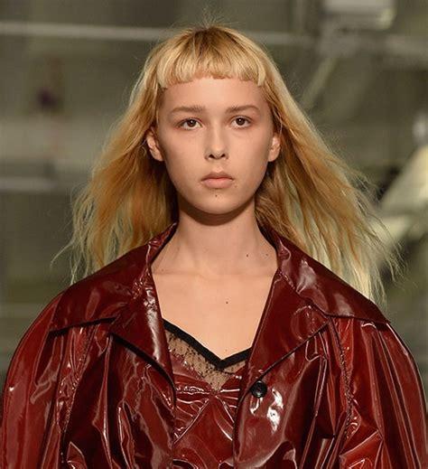 come portare i capelli lunghi 20 modi di portare i capelli lunghi questo autunno