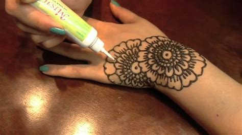 process of applying henna tattoo mehendi on the how to apply a henna quora