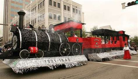 polar express float ideas what a way the take the parade float ideas the o jays trains and