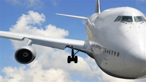 Tips Naik Pesawat Sendirian | tips agar tidak terserang flu kala naik pesawat panduan