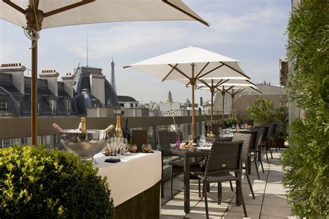 terrasse toit paris restaurant terrasse avec vue sur le toit du warwick le monde 224 table