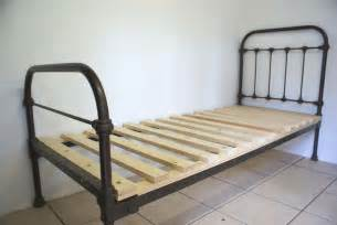 Iron Single Bed Frame Handmade And Diy 3 On Bed Slats Antique Iron