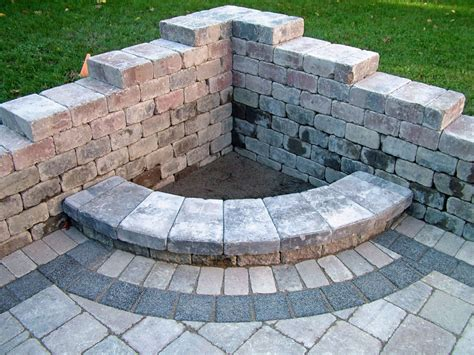 This Is A Small Cozy Design For People With Little Diy Backyard Firepit