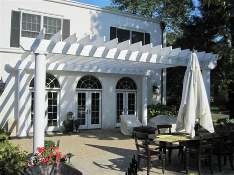 decke pergola idee - Einfache Terrassenüberdachung