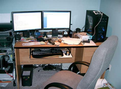 Computer Technician Desk It World A Peek At Other Computer Technicians Workbenches