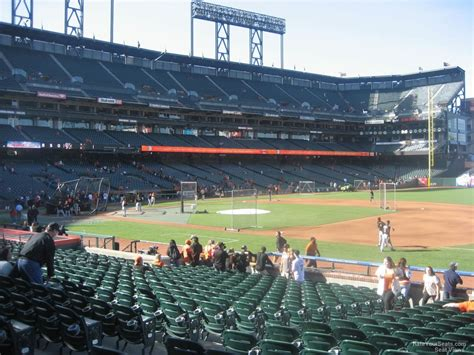 how many seats inerica park how many rows are in section 105 at at t park