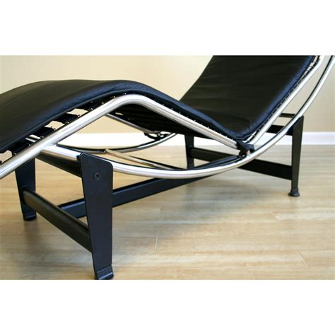 le corbusier chaise lounge chair wholesale interiors 174 le corbusier chaise lounge chair