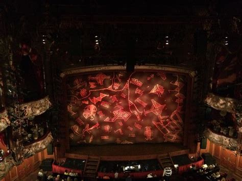 the lion king curtains the lion king stage curtain nov 2014 an amazing show