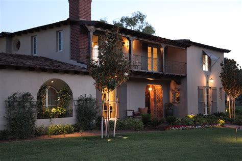 monterey colonial  traditional home  delightful