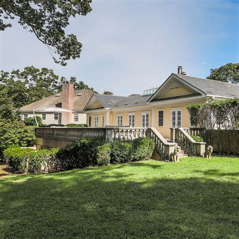 celebrity homes beyonce and jay z hton s home beyonc 233 and jay z s rental home is up for sale for 163 11