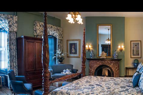 hotel chambre a theme chambre d hotel a theme vue duune chambre de luhotel et