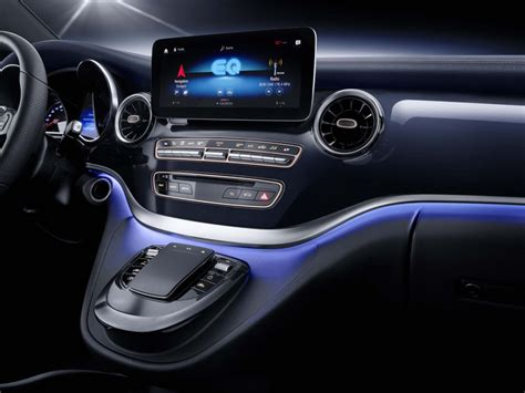 mercedes previews electric  class van  concept eqv