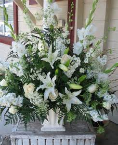 wedding altar flowers 25 best ideas about altar flowers on delphinium wedding flower arrangements