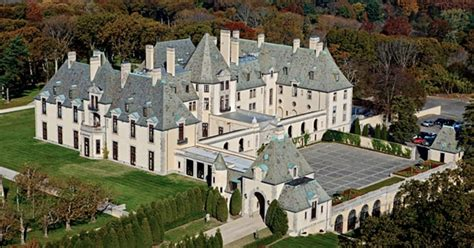 great gatsby long island oheka castle long island the 16 best places to see fall