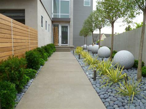 imagenes de jardines hechos con piedras piedras para jardin creando ambientes naturales