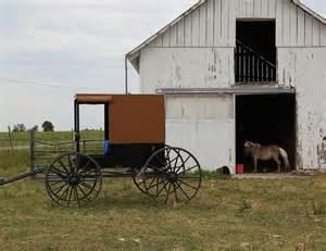 amish barn amish barn amish simplicity