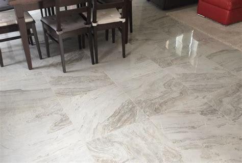 pavimenti lucidi piastrelle lucide pavimento great moderno details about