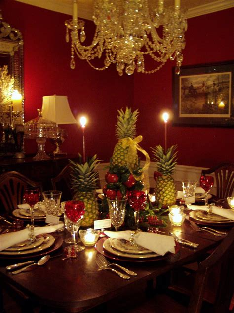 Colonial williamsburg christmas table setting with apple tree